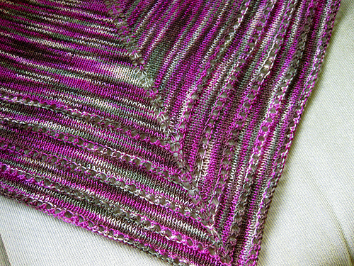 Free Knitting Pattern For Triangular Shawl : Triangle Shawl Patterns   Design Patterns
